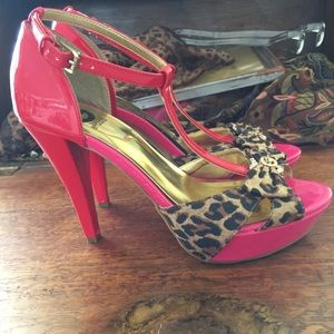 Guess Shoes - Amazing Guess Heels Size 7.5M
